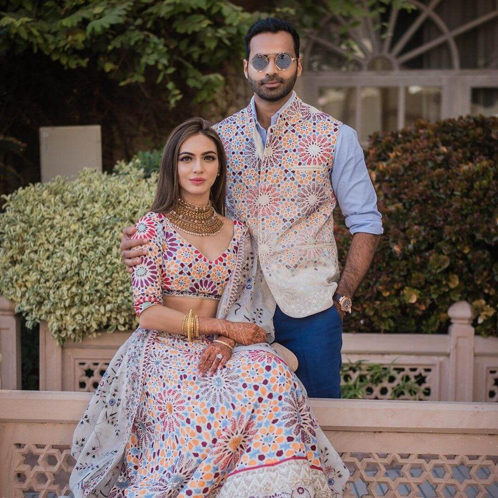 combo Outfit ideas for bride-groom