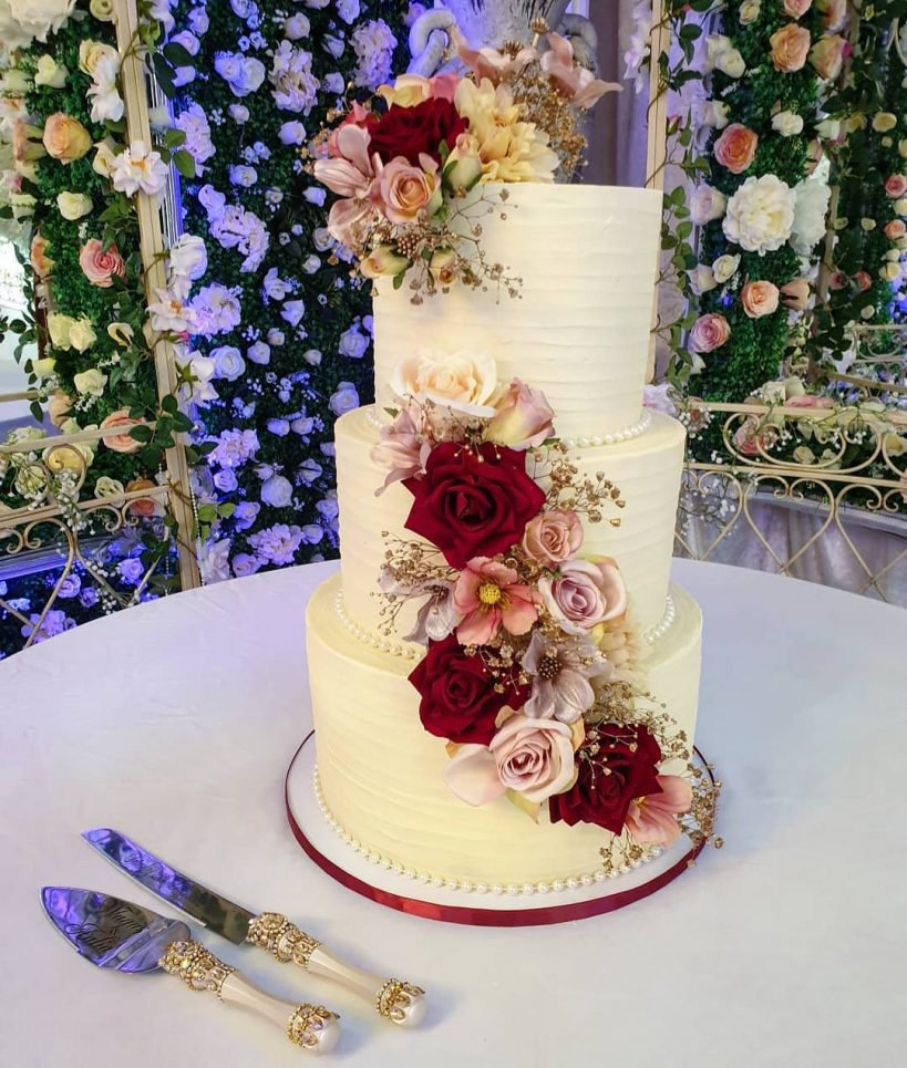 beautiful wedding cake designed by bake box