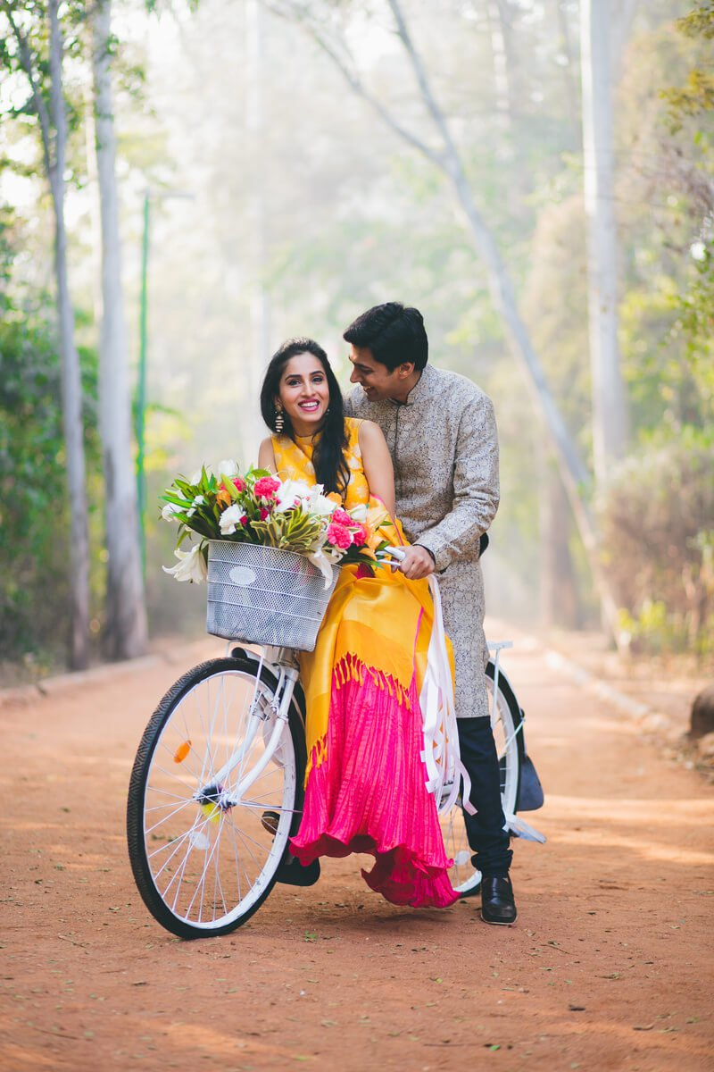 bicycle as a prop for pre wedding shoot