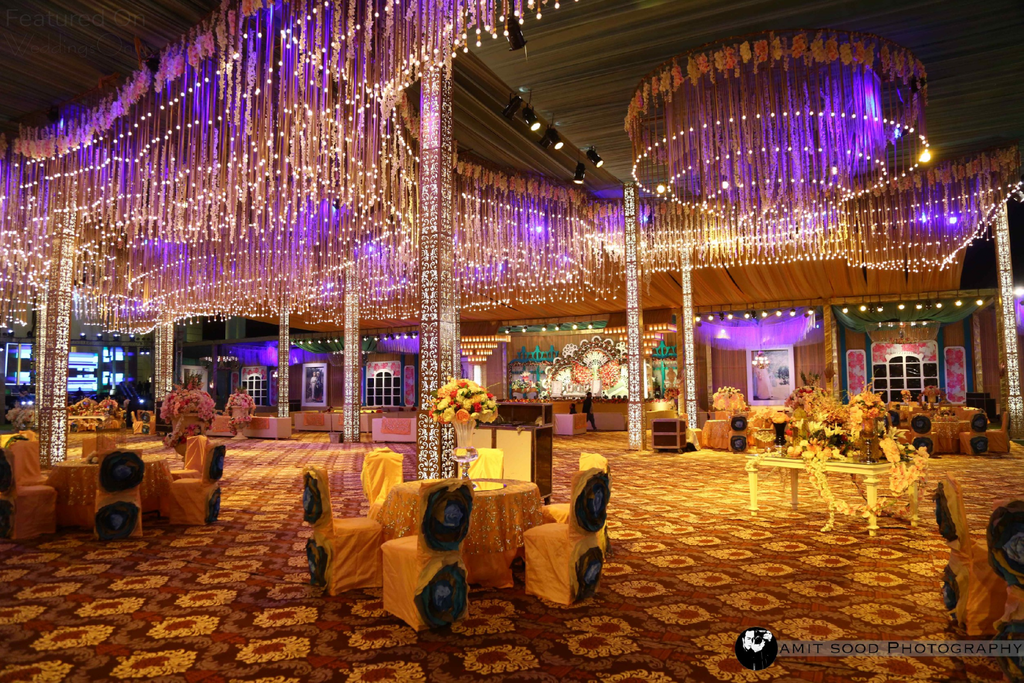 tiffny chairs with golden decoration