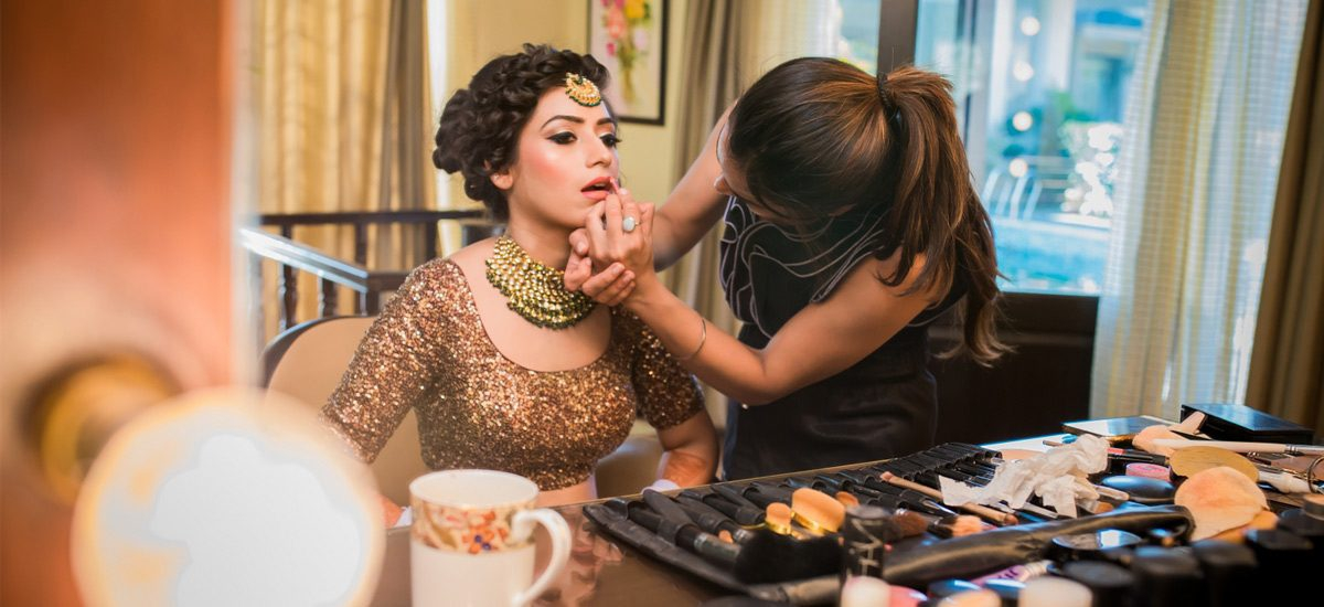 How Airbrush Makeup Is Different From HD Makeup