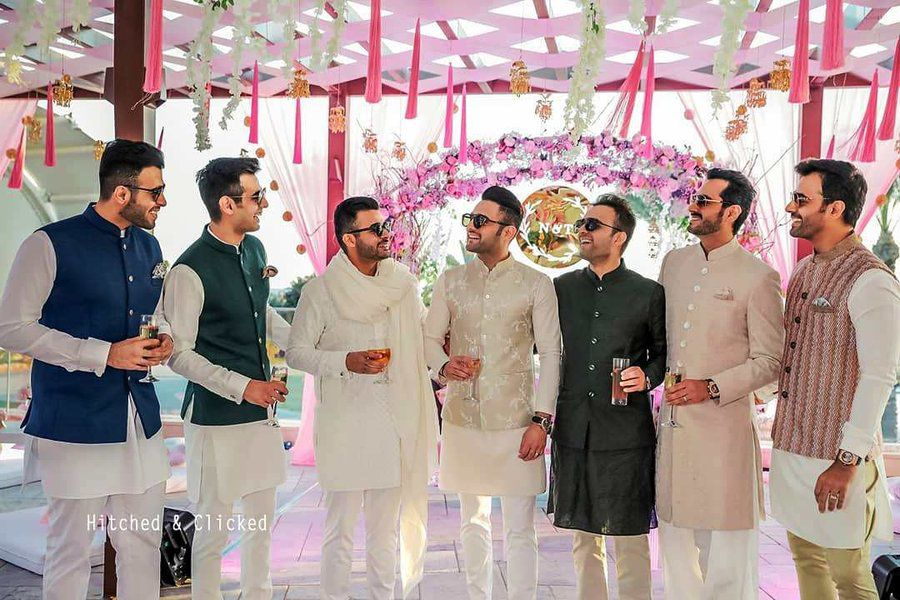 7hitched-clicked-drink-groomsmen