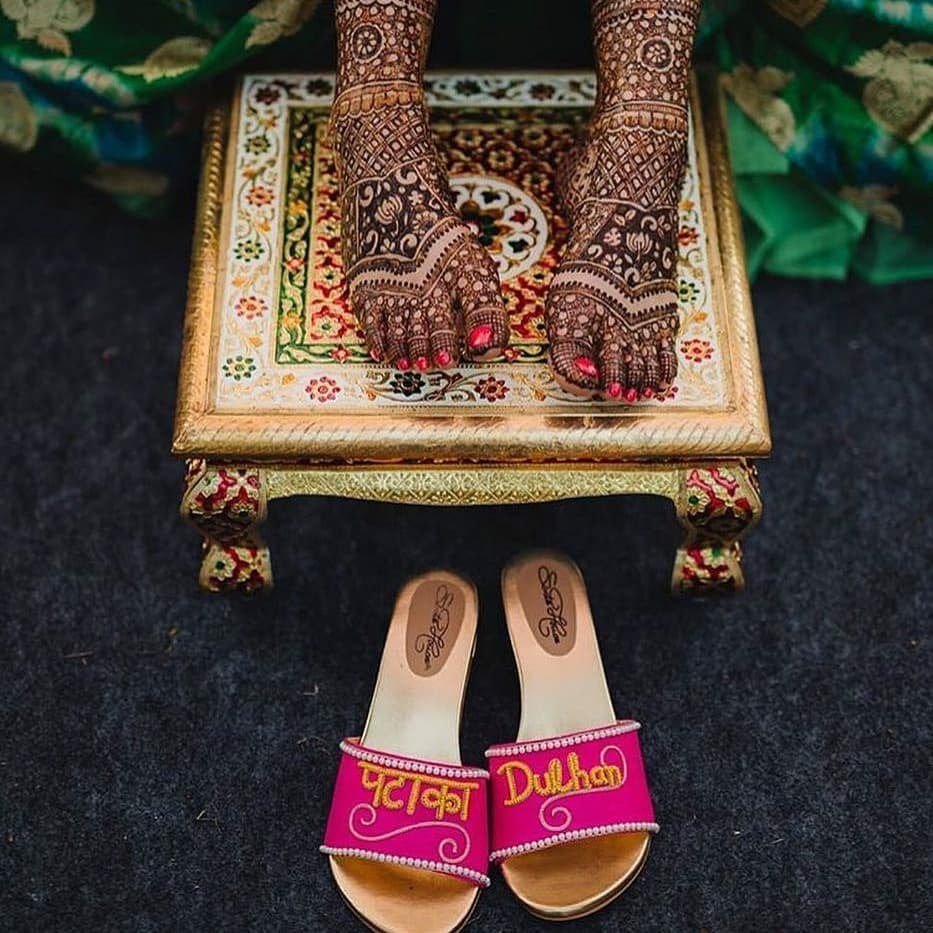 Patakha Dulhan Bridal Sliders for Weddings