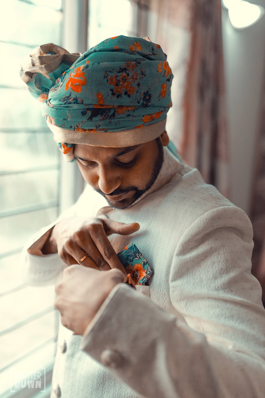 Floral-Safa-adding-colours-to-a-simple-sherwani
